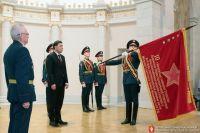 Копия знамени УДТК была передана совету ветеранов корпуса.