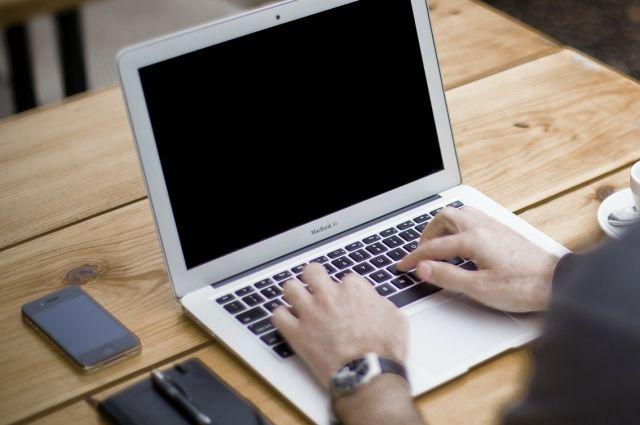 25-летний житель столицы Удмуртии переписывался в социальных сетях с 14-летней девочкой-подростком.