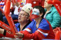 Россия - хоккейная страна. Может, нам уже забыть про футбол и болеть только за хоккейную сборную? Она радует нас чаще.