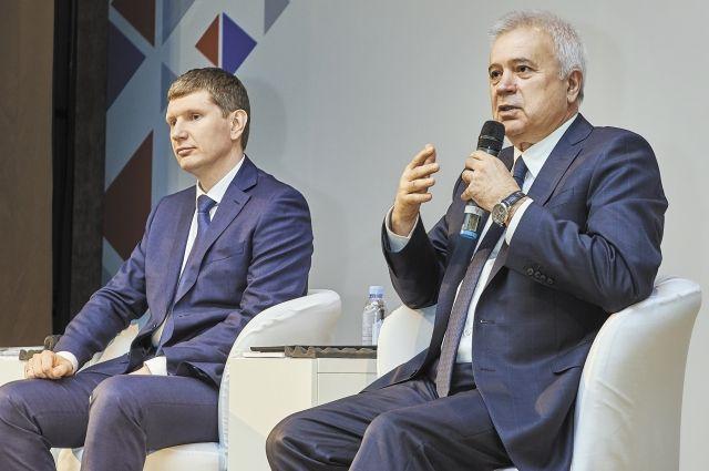 Президент компании «ЛУКОЙЛ» Вагит Алекперов и губернатор края Максим Решетников встретились с работниками лукойловских предприятий в регионе.