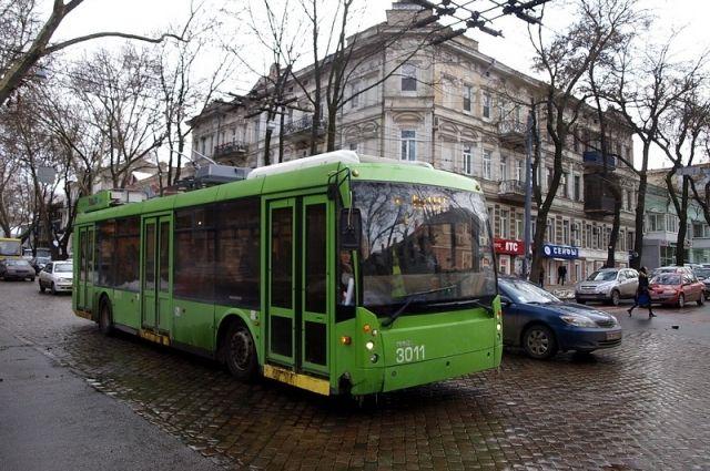 В одном из троллейбусов Одессы прогремел взрыв