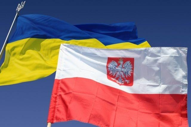 Украина, как иПольша, сама решит, каких героев чтить— Порошенко