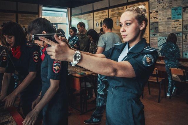trahnut-telku-bistro-v-krasnoyarske-porno-klipi-onlayn-kunilingus