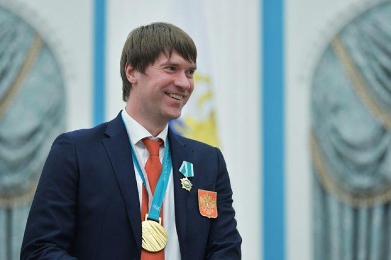 Чемпион XXIII зимних Олимпийских игр в Пхенчхане хоккеист Василий Кошечкин, награжденный орденом Дружбы, на церемонии вручения госнаград в Кремле.