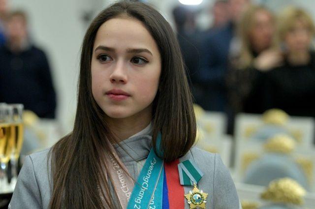 Спортсменка отдаст своим родителям автомобиль, который ей подарили после победы на Олимпиаде.