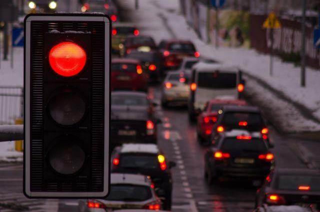 В Новосибирске - многокилометровые пробки.