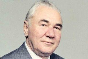 Фикрят Табеев пришел в политику из науки.