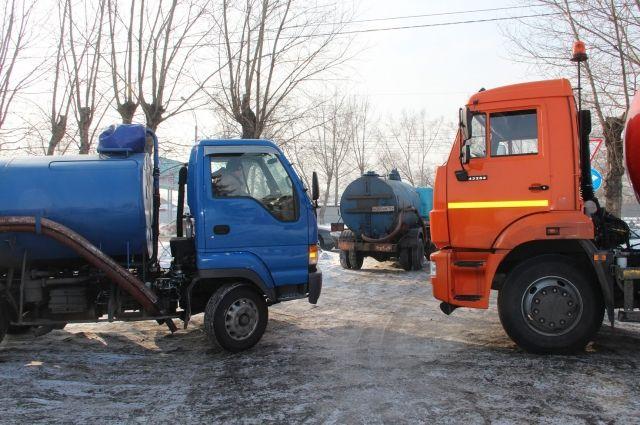 Причиной ЧП стал бытовой мусор, который жители смывали в унитаз.