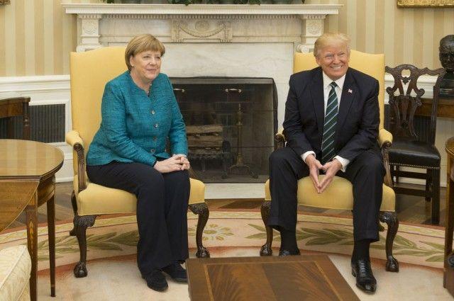 Трампа, Макрона иМеркель обеспокоили слова В. Путина  оядерном оружии