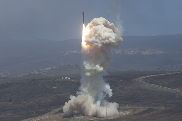 США создают вокруг РФ пояс из400 противоракет, считают вМинобороны