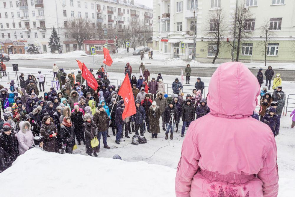 Помимо митинга активисты организуют одиночные пикеты у Кабмина РТ.
