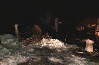 В огне погибли два человека: 53-летний хозяин дома и его гость.