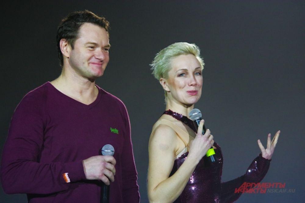 Ведущими на шоу были актриса Дарья Мороз и Алексей Тихонов