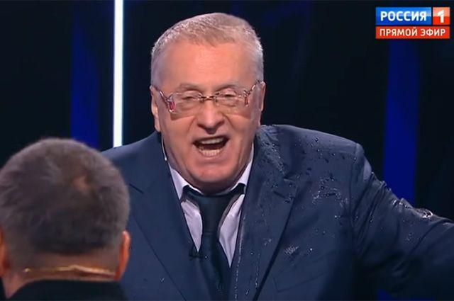Жириновский впроцессе теледебатов обратился кзрителям нататарском языке 4
