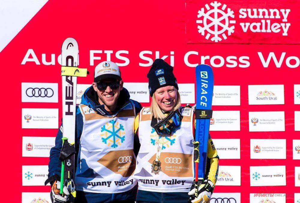 Лидеры общего зачёта Кубка мира по ски-кроссу Сандра Нэслунд (Швеция) и Марк Бишофбергер (Швейцария).