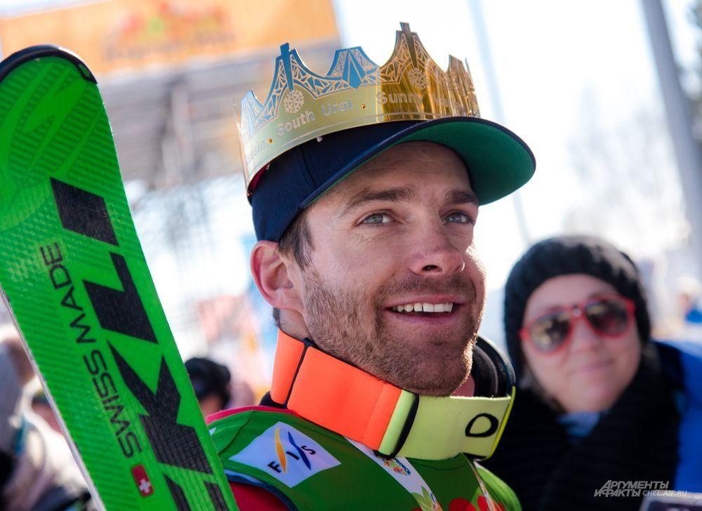 Золотая корона лидера южноуральских этапов Кубка мира по ски-кроссу досталась Йонасу Ленеру (Швейцария). Но лишь наполовину. Впервые одну корону поделили два спортсмена.