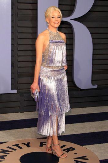 Элизабет Бэнкс в красивом нежно-сиреневым платье затмила всех красавиц на красной дорожке.