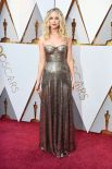 Обладательница Оскара 27-летняя Дженнифер Лоуренс выбрала роскошный золотой наряд. Идеально к ее образу подошли стильные локоны и дымчатый макияж.