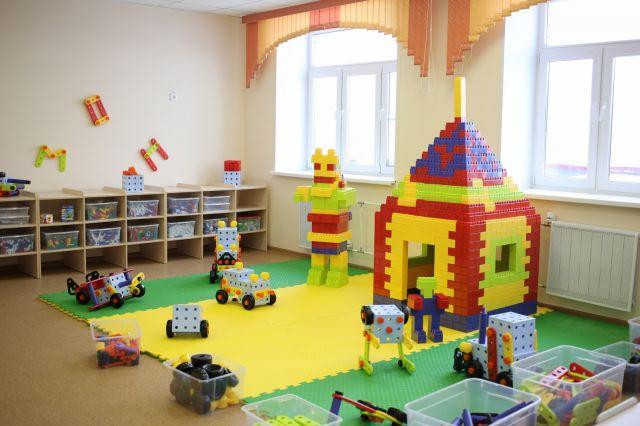 В детсаду есть шахматный зал, центр интеллектуального развития, студия безопасности, художественно-фольклорный центр, лаборатория экспериментирования и сенсорная комната.