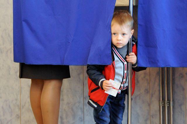 Если кто-то рассказывает, что в МФЦ очереди, чтобы подать заявление «о голосовании в удобном месте», это вымысел.