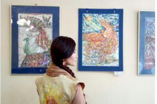 В библиотеке им. В. Маяковского открылась выставка акварелей Таис Карелиной.