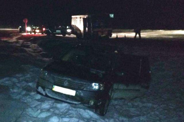 Скользкий путь: в Ровенской области произошло ДТП, есть пострадавшие