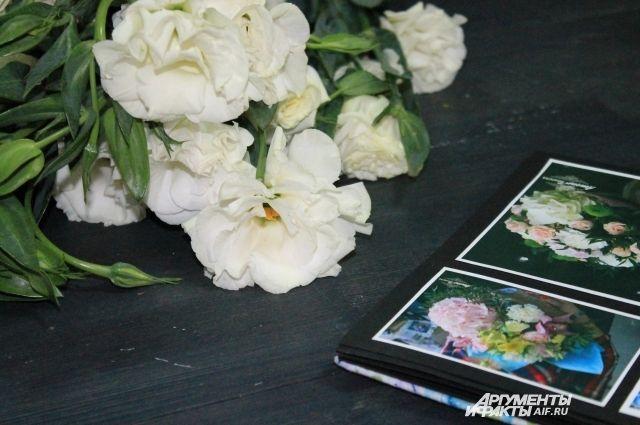 Перед праздниками в цветочных салонах начинается жаркая пора