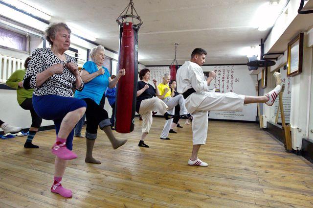 Пенсия — лучшее время, чтобы пожить в свое удовольствие: танцевать, петь, заниматься спортом, заводить друзей.