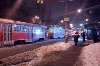 В Киеве два трамвая сошли с рельс, создав транспортный коллапс