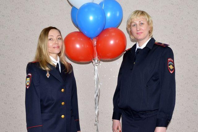 Наталья Иннокентьева (слева) и Кира Маймескул возвращают имена людей из неизвестности.