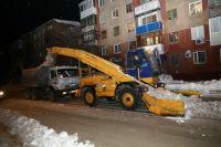 За сутки из Кемерова вывезли более 12 000 кубометров снега.