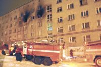 Из горящего общежития спасти удалось 37 человек, 13 из которых дети.