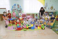 На вопросы журналистов отвечали воспитанники группы «Солнышко» барнаульского детского сада №12.