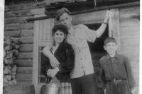 Рипсиме и Виктор на стройке в Игарке.