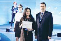 Диплом победителя нашей коллеге вручал В. Соловьёв, председатель Союза журналистов России.
