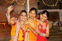 В Северной Индии есть традиционный фестиваль замужних женщин «Карва Чаутх».