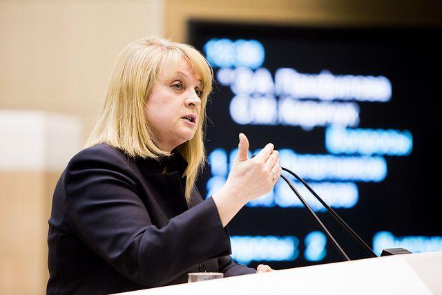 Памфилова попросила убрать избирательный участок изпохоронного бюро— Включите мозги