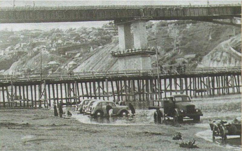 Первый капитальны мост через Белую почти достроен, но еще не открыт.