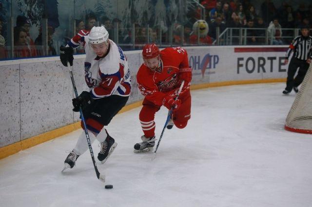 Хоккейный «Алтай» создал сенсацию впервом матче «плей-офф»