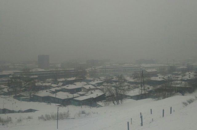 С утра значительное превышение содержания вредных веществ в воздухе наблюдались во всех районах города.