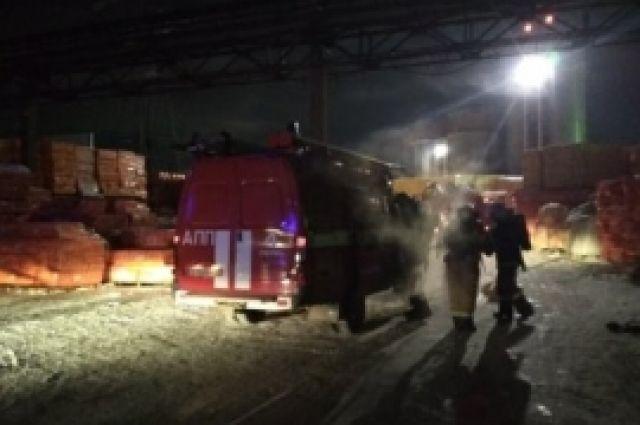 ВПерми произошел пожар наскладе теплоизоляционных материалов