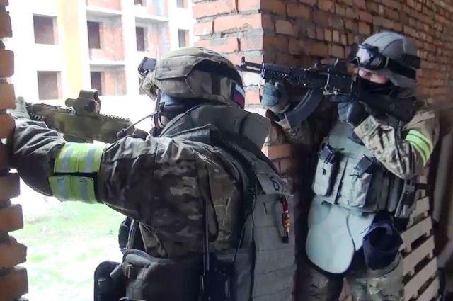 Опубликовано видео с места ликвидации террористов в Саратовской области