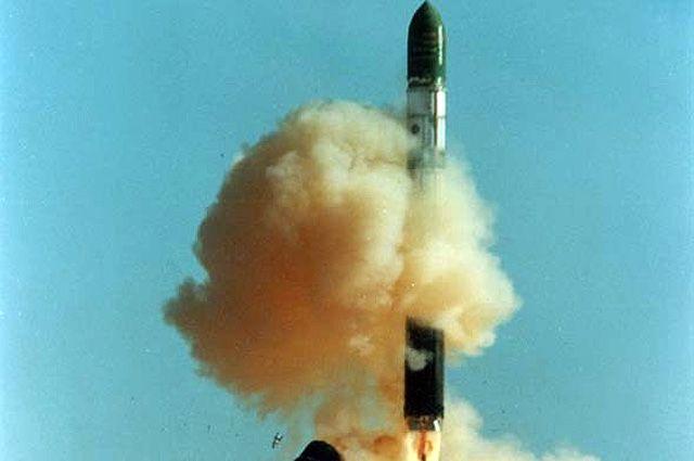 Пуск ракеты «Днепр».  Изготовитель — «Южмаш».