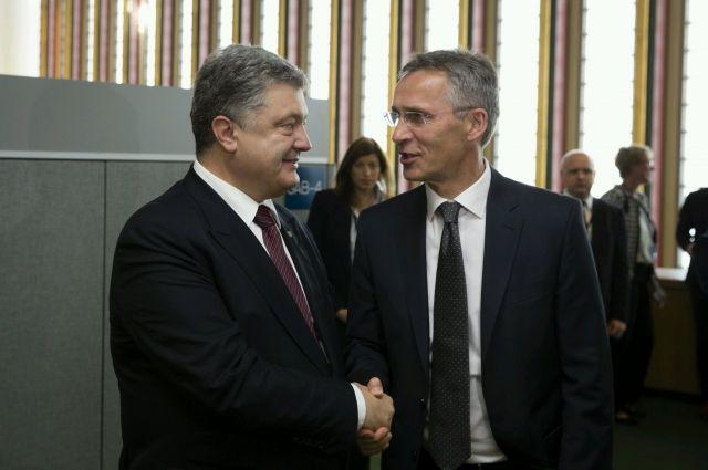 Генсек НАТО получил письмо от Порошенко с просьбой о плане действий