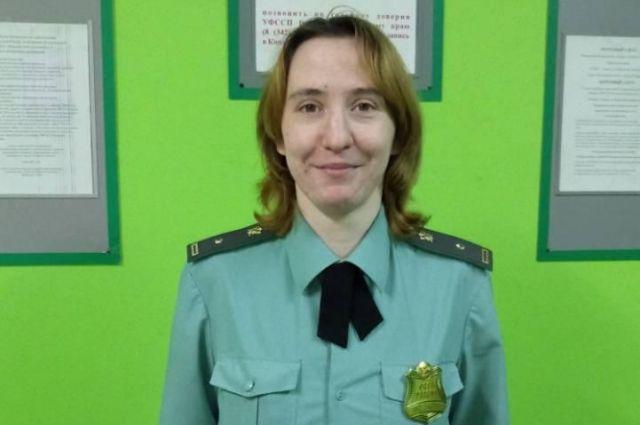 Дарья Обухова спасла мальчика, которого пьяная мать отправила подниматься вверх по скользкой лестнице.