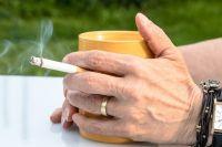 Курильщики чуть не лишились жилья из-за пагубной привычки.