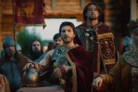Часть героев в сериале вымышлена, часть - реальные исторические персонажи.
