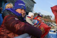 Президент Федерации лыжных гонок России Елена Вяльбе среди болельщиков во время соревнований лыжников на дистанции гонки на 15 км свободным стилем среди мужчин в соревнованиях по лыжным гонкам на XXIII зимних Олимпийских играх.