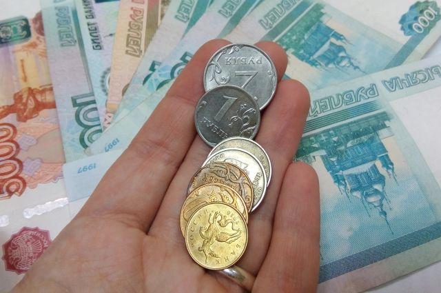 Инженеры – зарабатывают в среднем 34 тысячи рублей в месяц, слесари — 38,5 тысяч рублей.