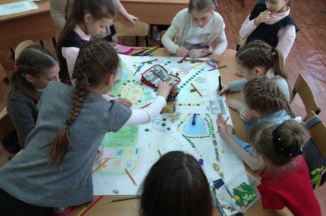 Учащиеся школы №48 Ярославля активно участвуют в конкурсе рисунков в рамках губернаторского проекта «Решаем вместе!».